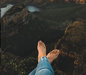 10 Foto Dengan Gaya Keren Untuk Profil Instagram Mantap