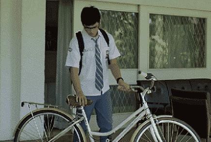 saya pernah menyebutkan bahwa menonton film romantis 50+ Rekomendasi Film Indonesia Romantis